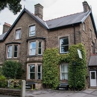 GUEST HOUSE WITH SEVEN LETTING ROOMS PLUS OWNERS TWO BEDROOM ACCOMMODATION in Buxton