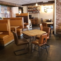 FULLY LICENSED RESTAURANT, BAR AND SIX LETTING ROOMS in Shropshire